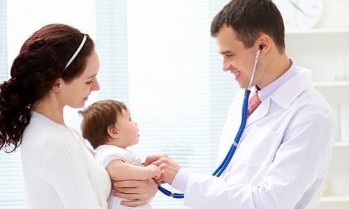 nên mua bảo hiểm sức khỏe cho trẻ không